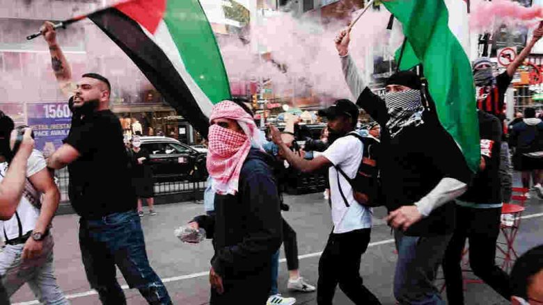 Jews attacked physically on the streets, especially in the USA