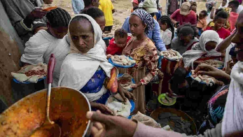 Ethiopian federal jet bombs a food market in Togoga Tigray, killing many shoppers