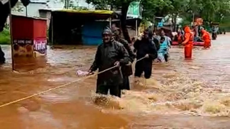 Floods and landslides as record-breaking rain falls on Maharashtra in India